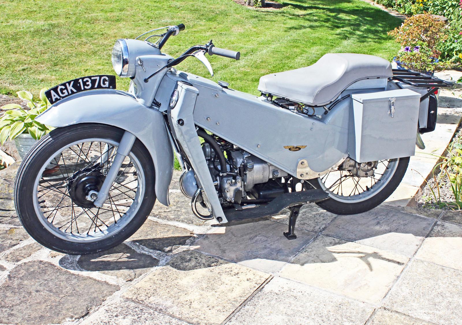 LE Velocette - 1969