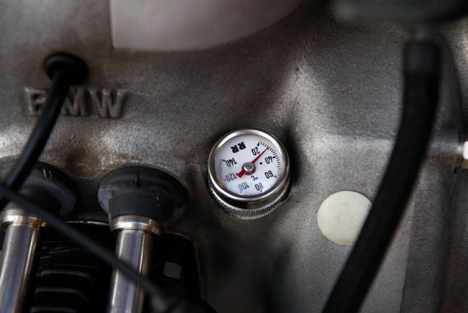 BMW R60/2 - 1966 - Engine Oil Pressure Gauge.