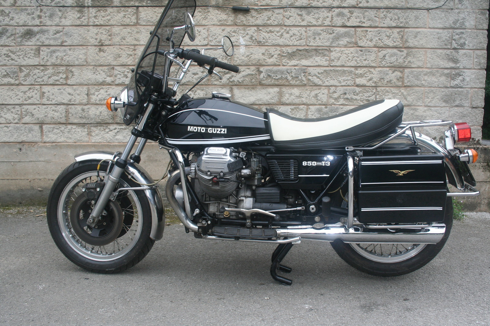 restored moto guzzi t3 california 1979 photographs at classic bikes restored bikes restored. Black Bedroom Furniture Sets. Home Design Ideas