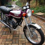 Yamaha YR5 - 1972 - Front Fender, Front Wheel, Indicators, Headlight, Handlebars and Levers.