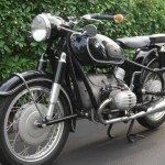 BMW R60/2 - 1962 - Right Side View, Front Forks, Headlight, Fender, Gas Tank and Seat.
