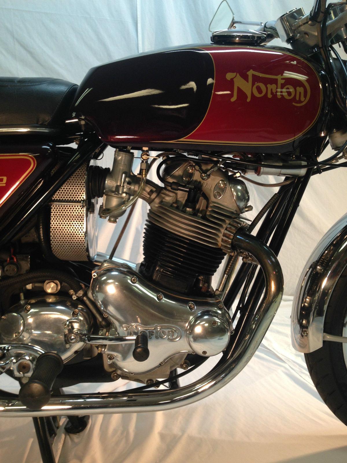 Norton Commando 850 - 1973