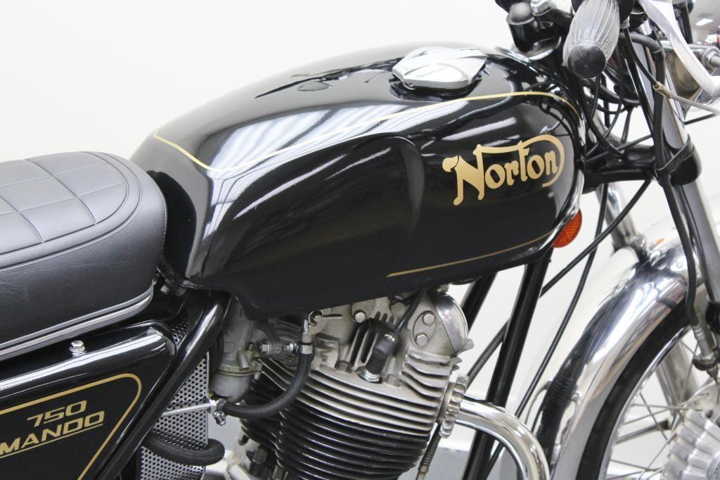 Norton Commando - 1972