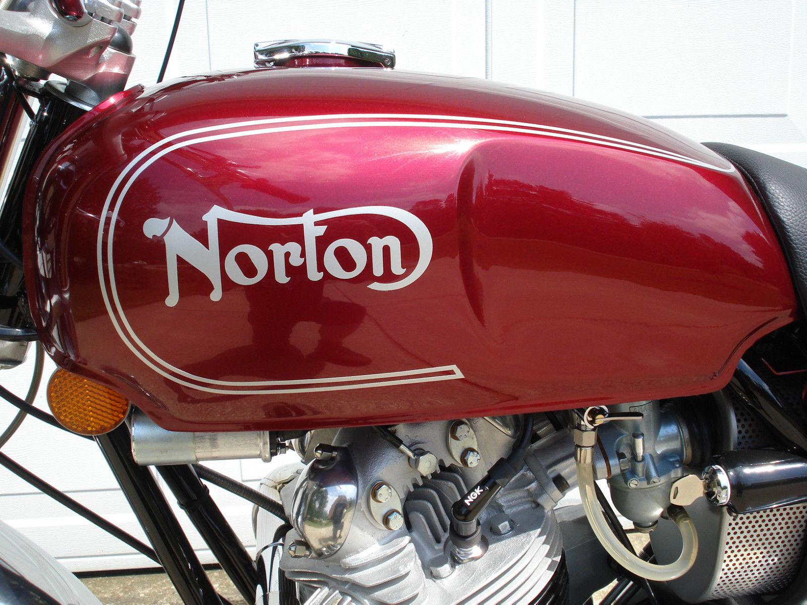 Norton Commando Roadster - 1973
