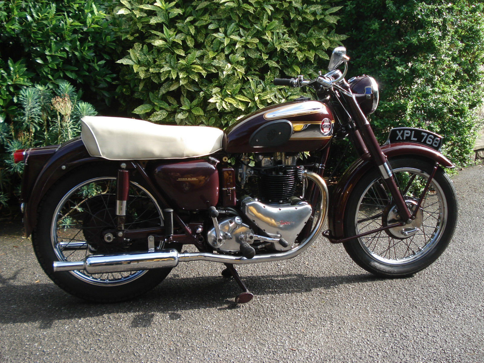 Restored Ariel Huntmaster - 1955 Photographs at Classic ...