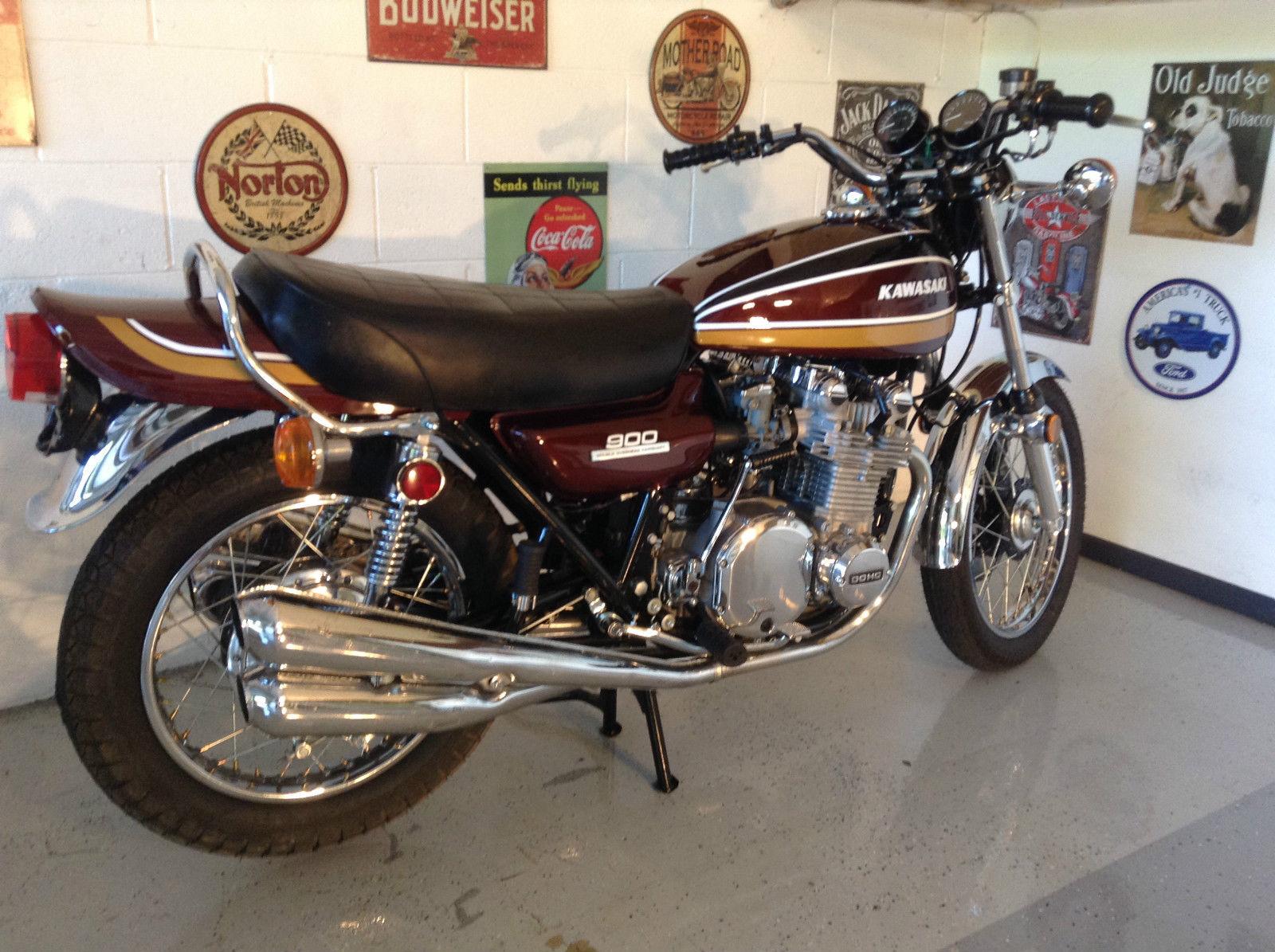 Kawasaki Z1 - 1975 .