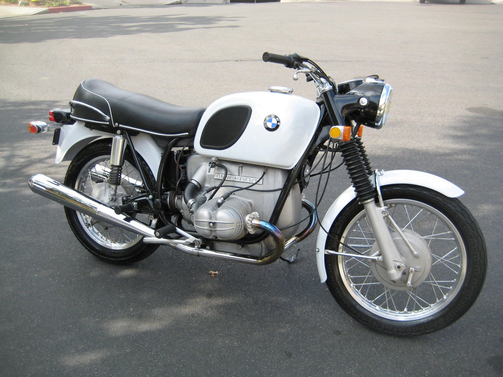 restored bmw r60 5 1971 photographs at classic bikes. Black Bedroom Furniture Sets. Home Design Ideas