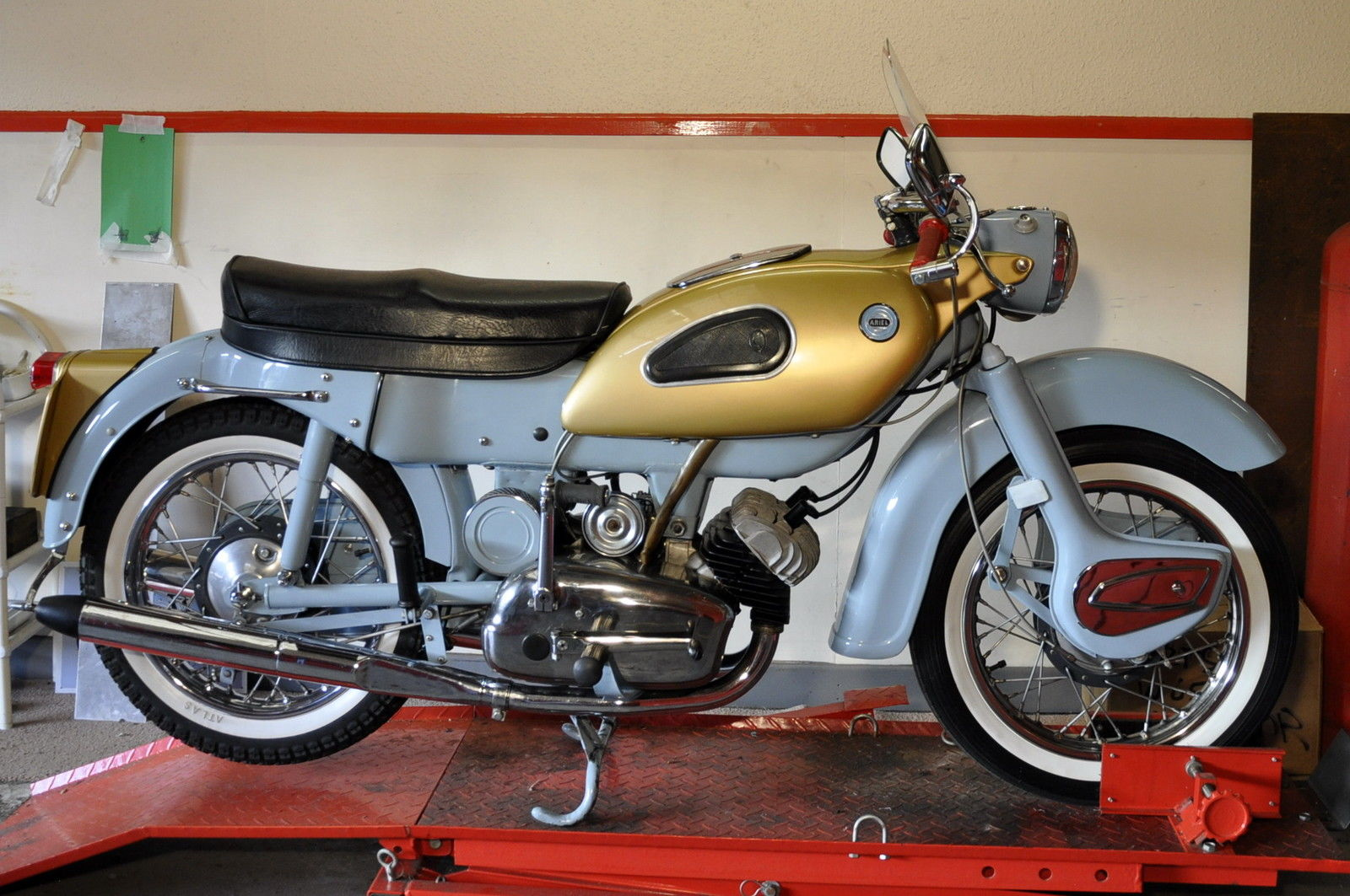 Restored Ariel Arrow SS - 1961 Photographs at Classic ...