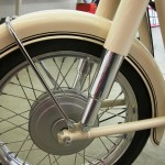 BMW R27 - 1966 - Front Wheel, Spokes, fender and Wheel Hub.