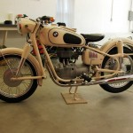 BMW R27 - 1966 - Left Side View, Frame, Flashers and Gas Tank.