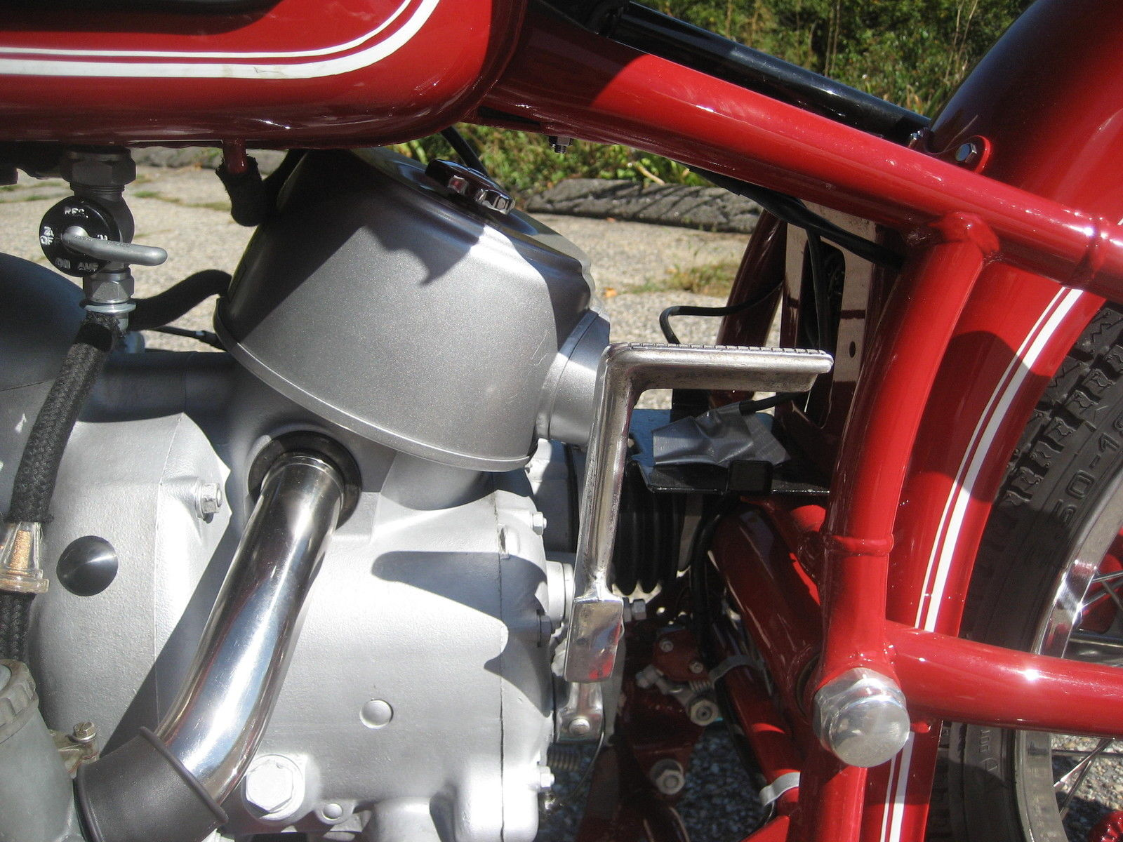 BMW R60 - 1969 - Kick Start, Frame, Inlet and Air Filter.