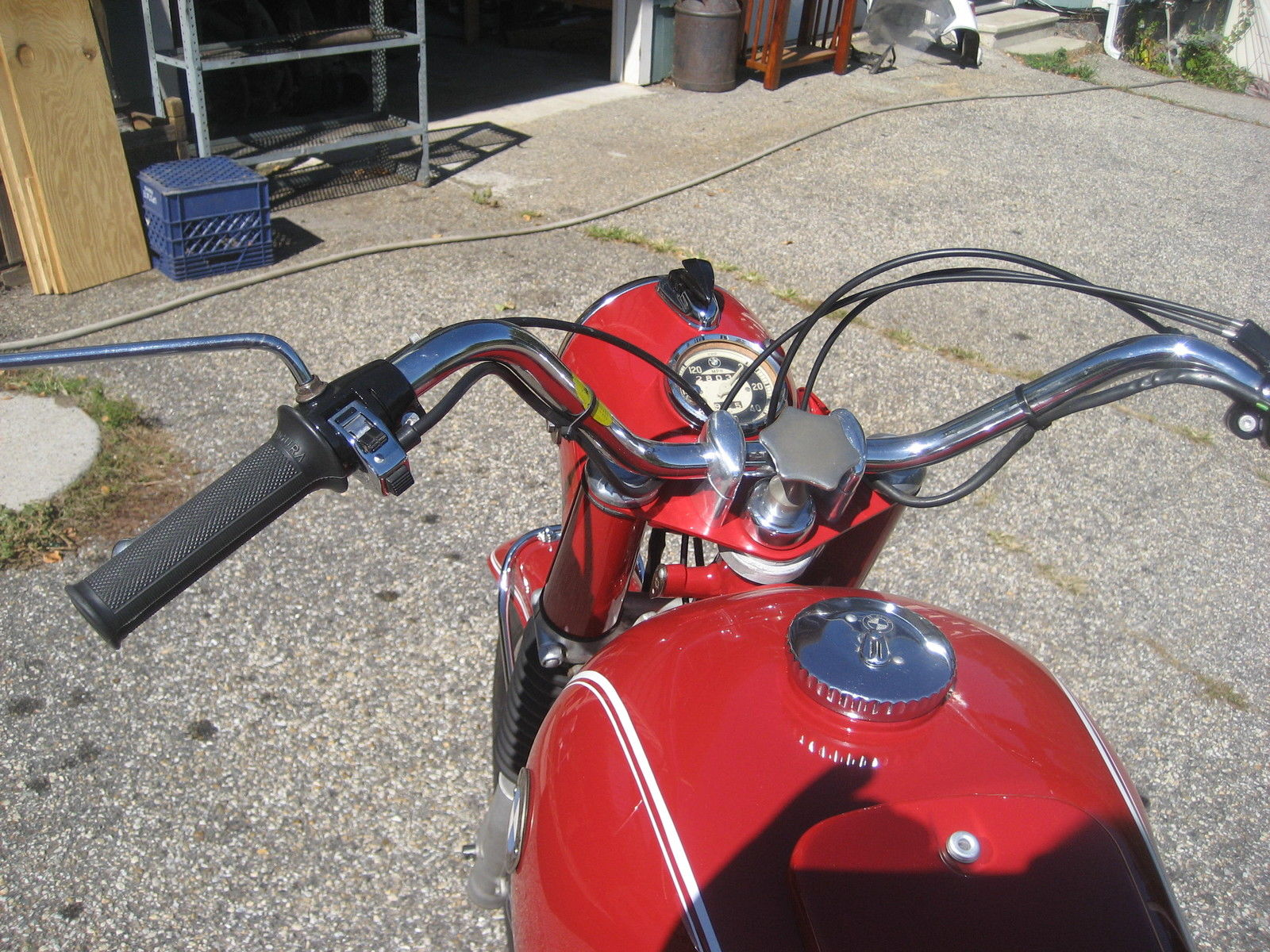 BMW R60 - 1969 - Handlebars, Cables, Mirrors and Steering Damper.