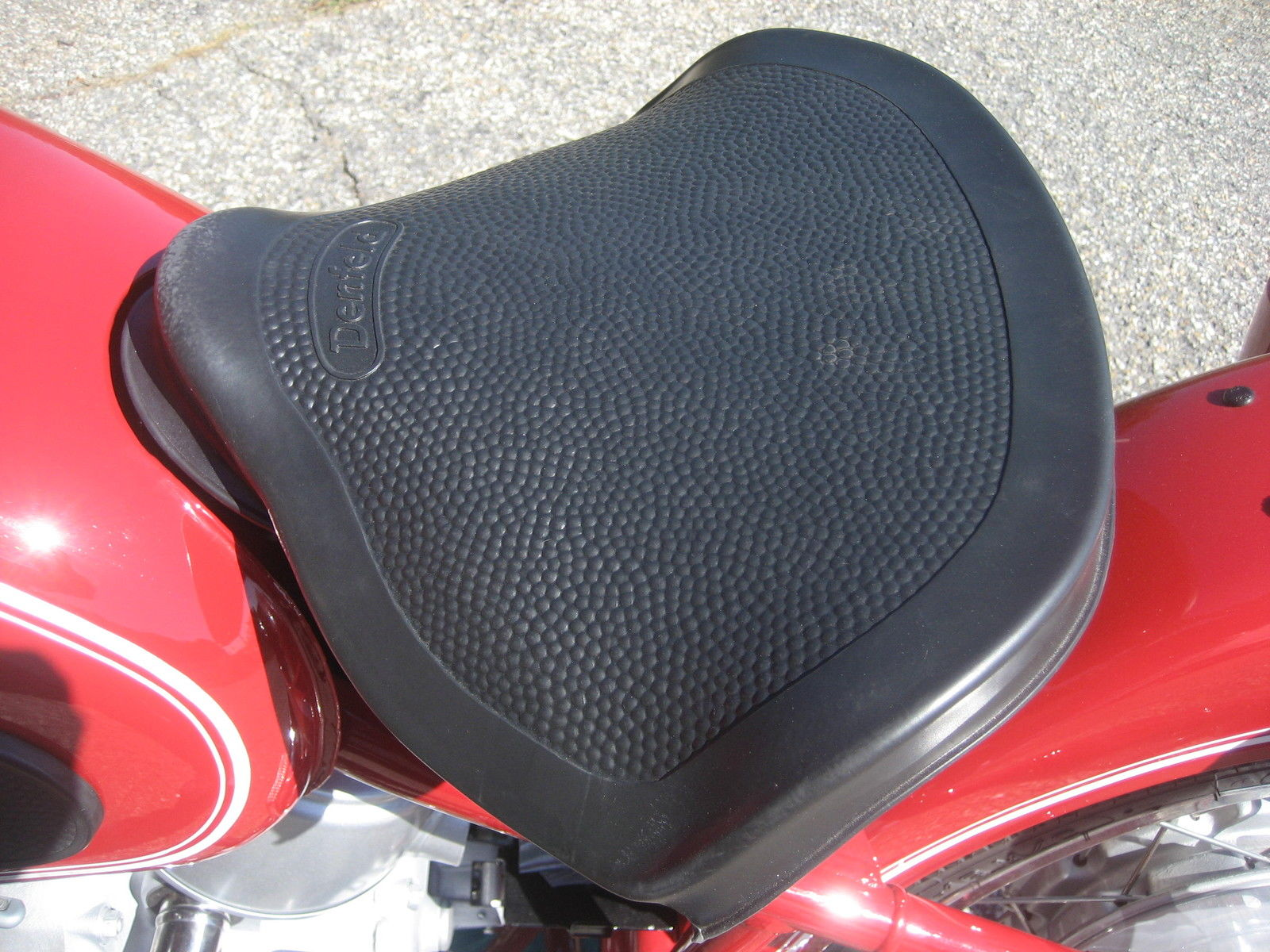 BMW R60 - 1969 - Replacement Seat.