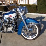 Harley-Davidson FLH Duo Glide - 1960 - Front End, Mudguard, Fender, Headlight, Gas Tank, Motor and Wheel.
