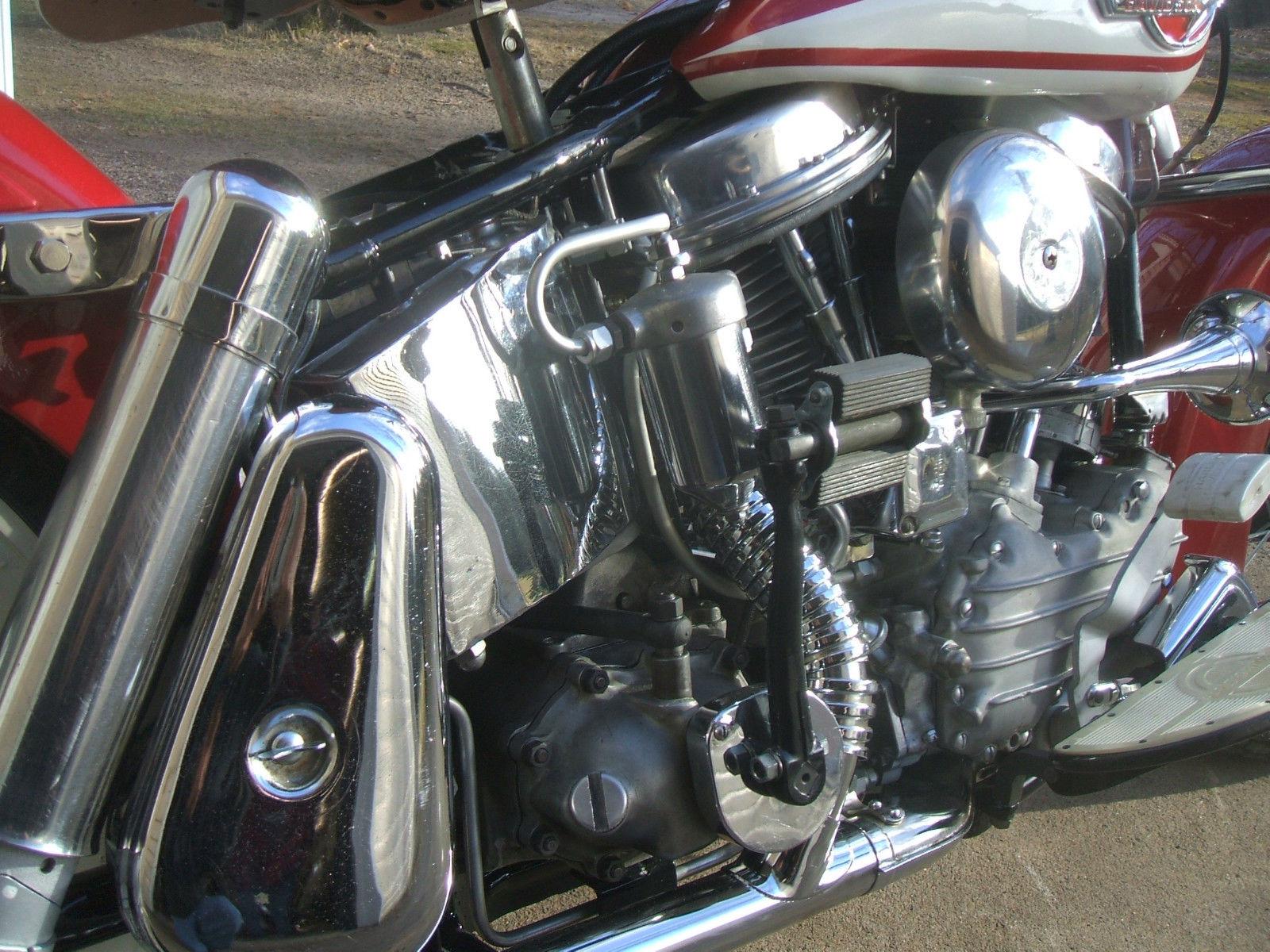 Harley-Davidson Panhead - 1960 - Oil Tank, Motor, Rear Shock and Air Filter.