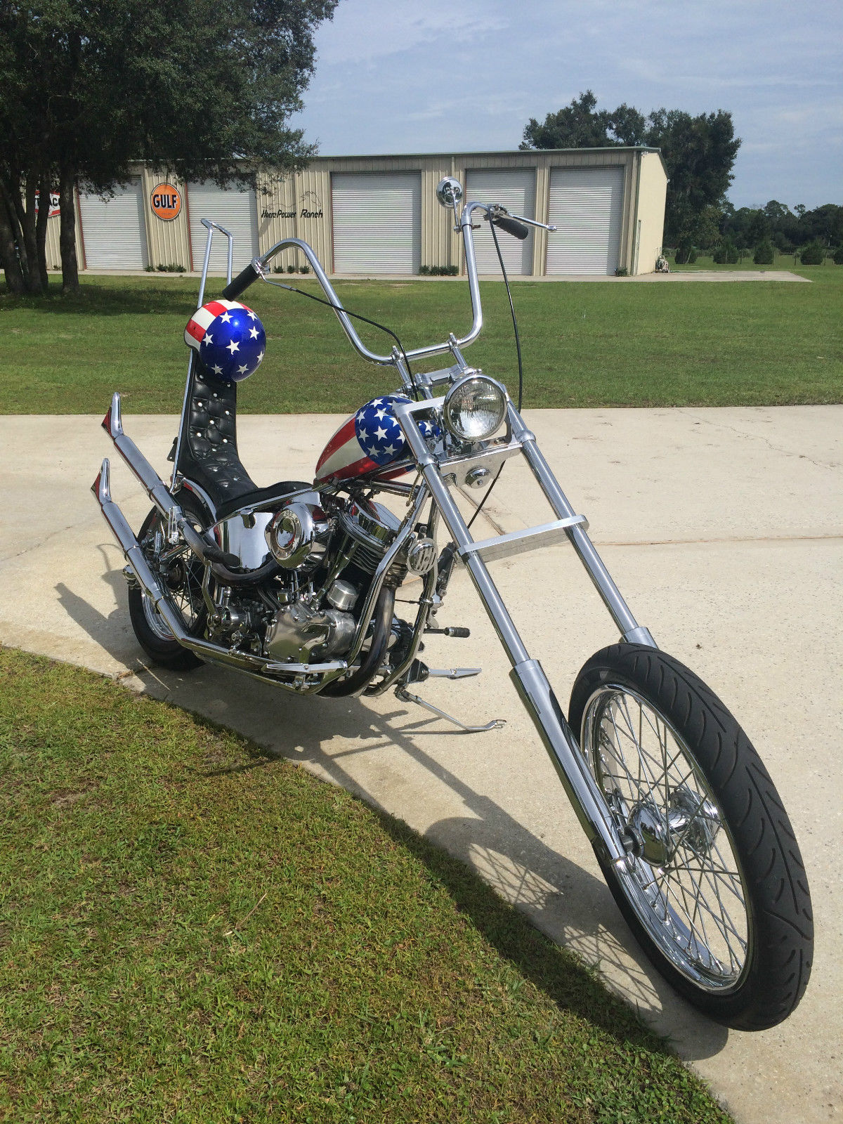 Harley-Davison Easy Rider Replica - 1956 - Front Wheel and Forks.