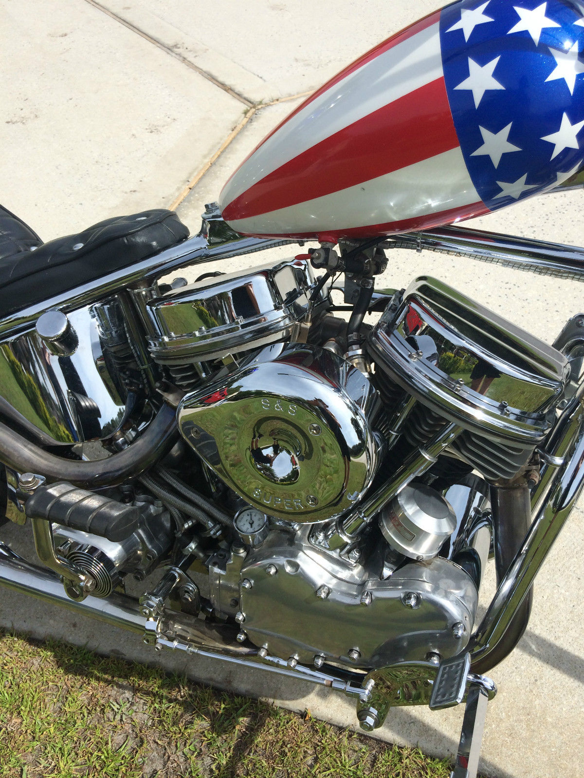 Harley-Davison Easy Rider Replica - 1956 - Engine, Panhead, Heads and Air Cleaner.