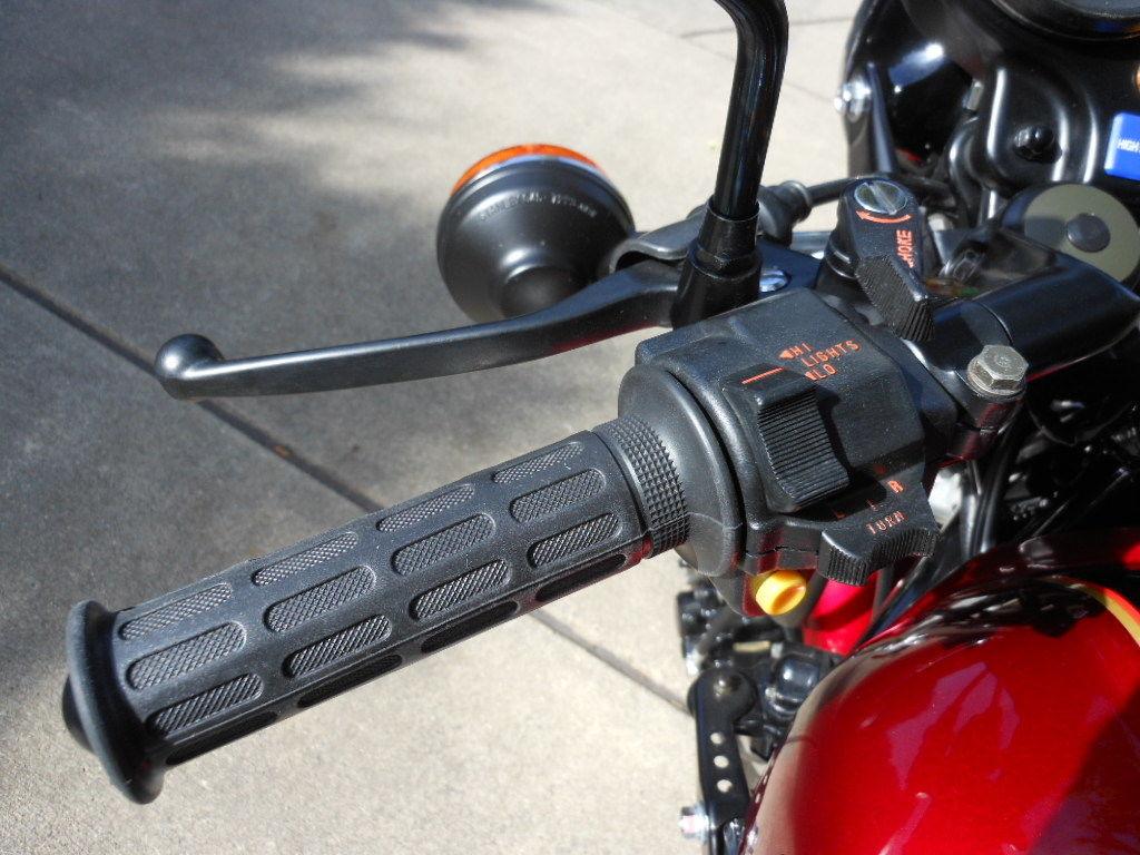 Honda CBX - 1979 - Choke Lever, Indicator Switch and Grip.