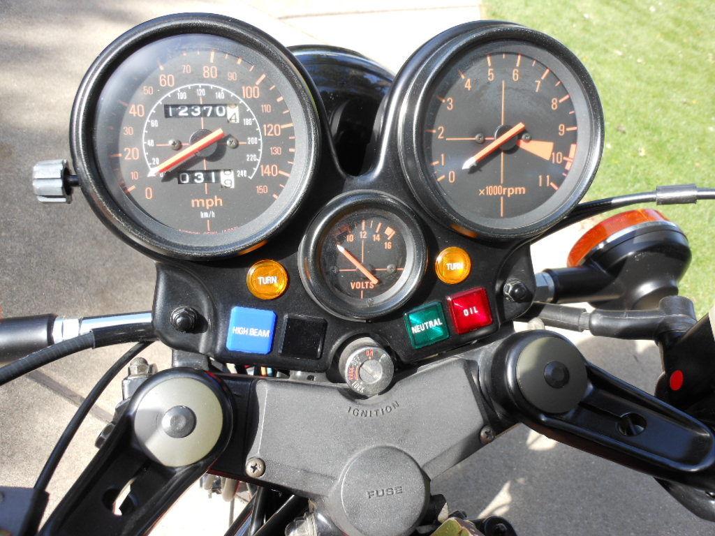 Honda CBX - 1979 - Clocks, Speedo, Tacho, Idiot Lights and Fuse Box.