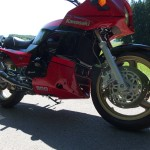 Kawasaki GPZ900R - 1989 - Forks, Fairing, Decals, Disc, Stand and Engine.
