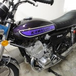 Kawasaki H2 750 - 1975 - Left wide with engine detail and fuel tank