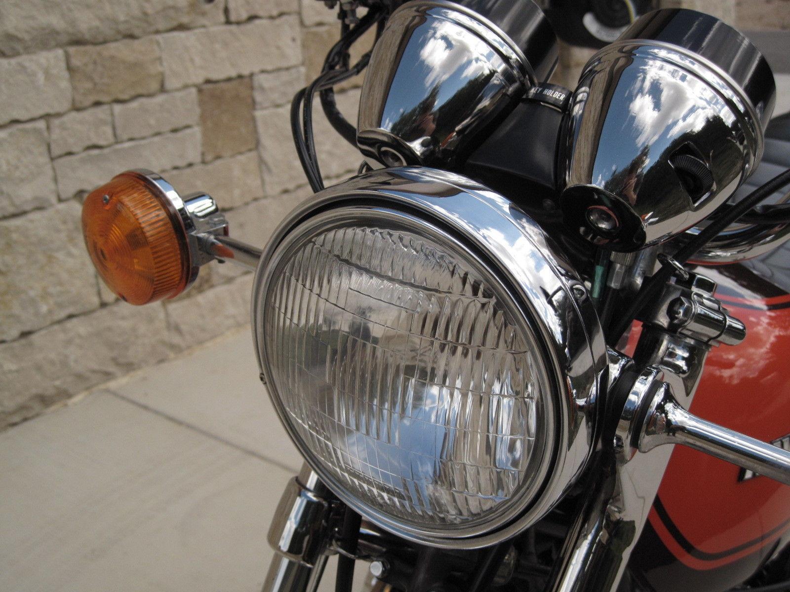 Kawasaki Z1 - 1973 - Headlight, Flasher, Clock Covers and Headlight Ears.
