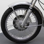 Norton Commando 750 - 1972 - Front Wheel, Hub and Fender.