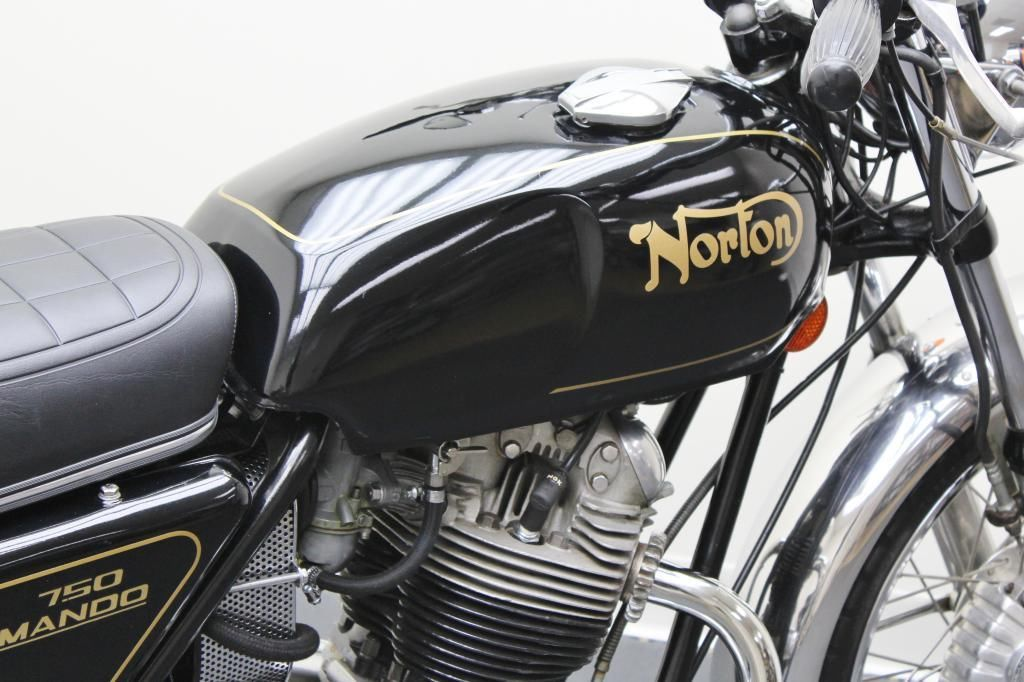Norton Commando 750 - 1972 - Fuel Tank, Fuel Cap and Norton Decal.