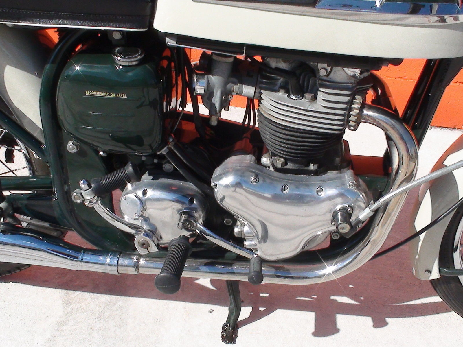 Norton Dominator 88 - 1960 - Kick Start, Timing Cover, Gearbox and Gear Change.