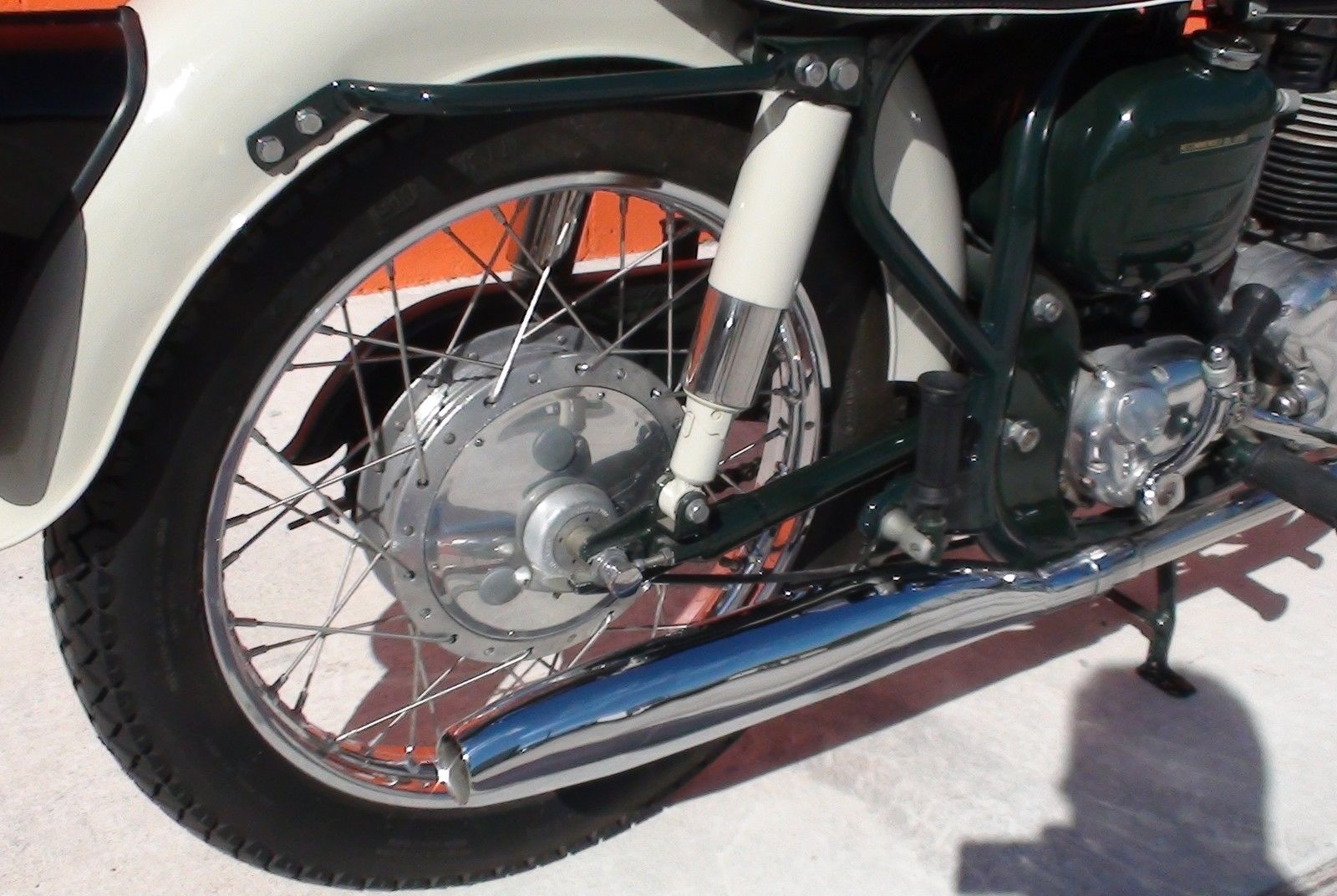 Norton Dominator 88 - 1960 - Rear Shock, Muffler, Rear Hub and Swing Arm.