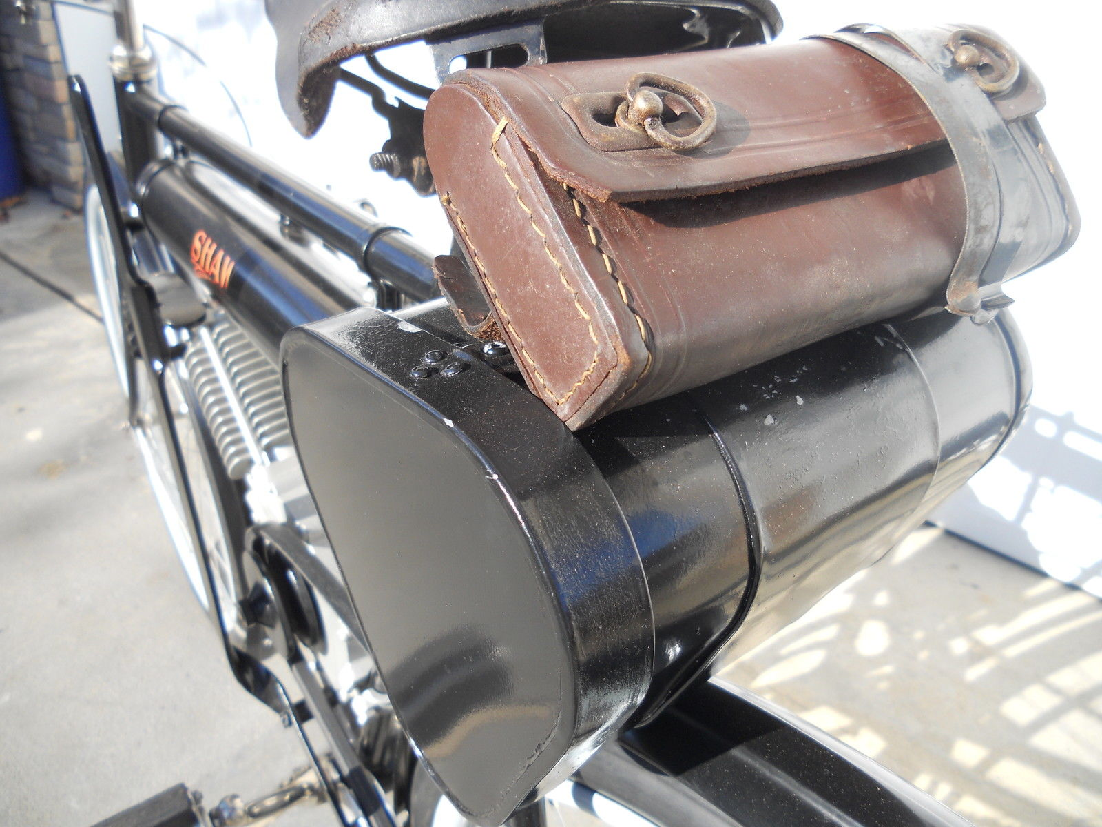 Shaw Motorcycle - 1913 - Seat, Saddle and Tool Bag.