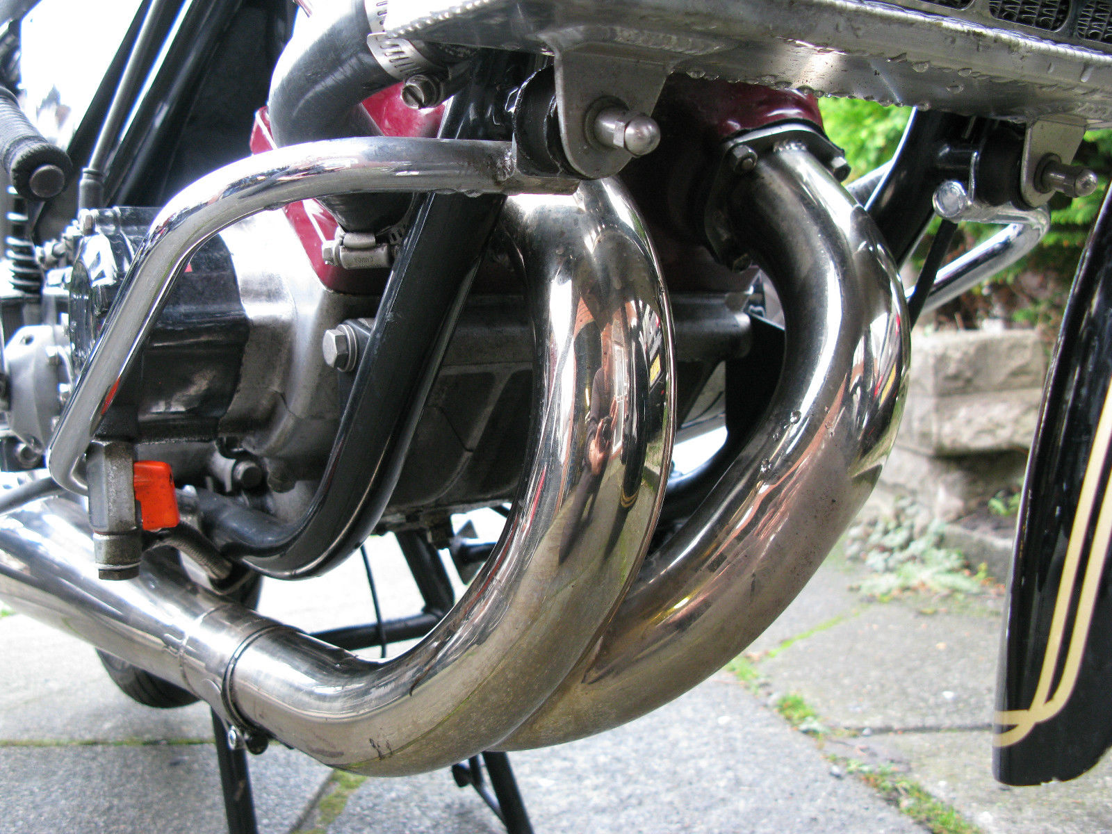 Silk 700S - 1977 - Exhausts, Frame, Radiator and Stand.