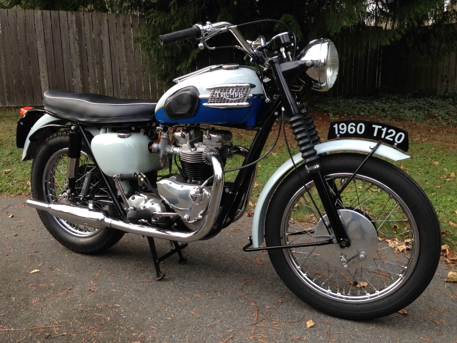 Triumph Bonneville T120 - 1960 - Exhaust, Front Forks, Side Panel and Frame.