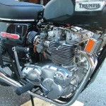 Triumph Trident T140V - 1973 - Side Panel, Foot Rest and Kick Start.