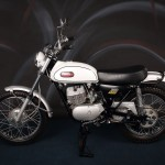 Yamaha DT1 250 - 1968 - Left Side View, Gas Tank, Seat and Motor.
