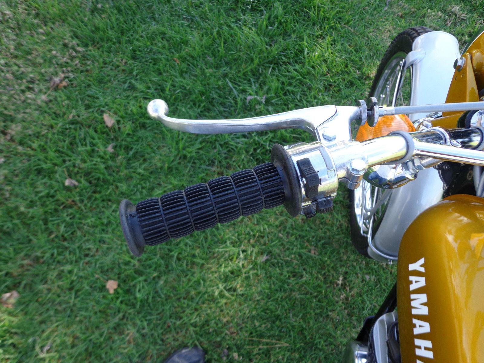 Yamaha DT250 - 1972 - Handlebar, Brake Lever, Grip and Switch.