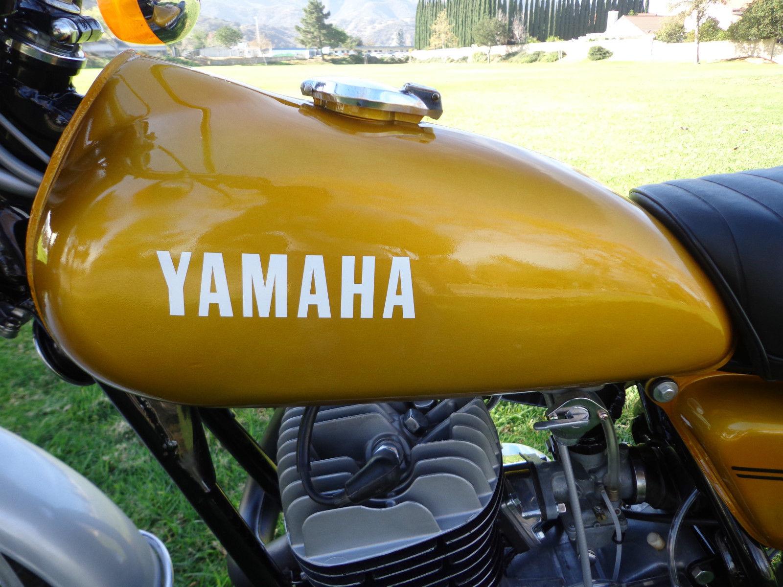 Yamaha DT250 - 1972 - Cylinder Head, Gas Tank, Yamaha Badge and Head.