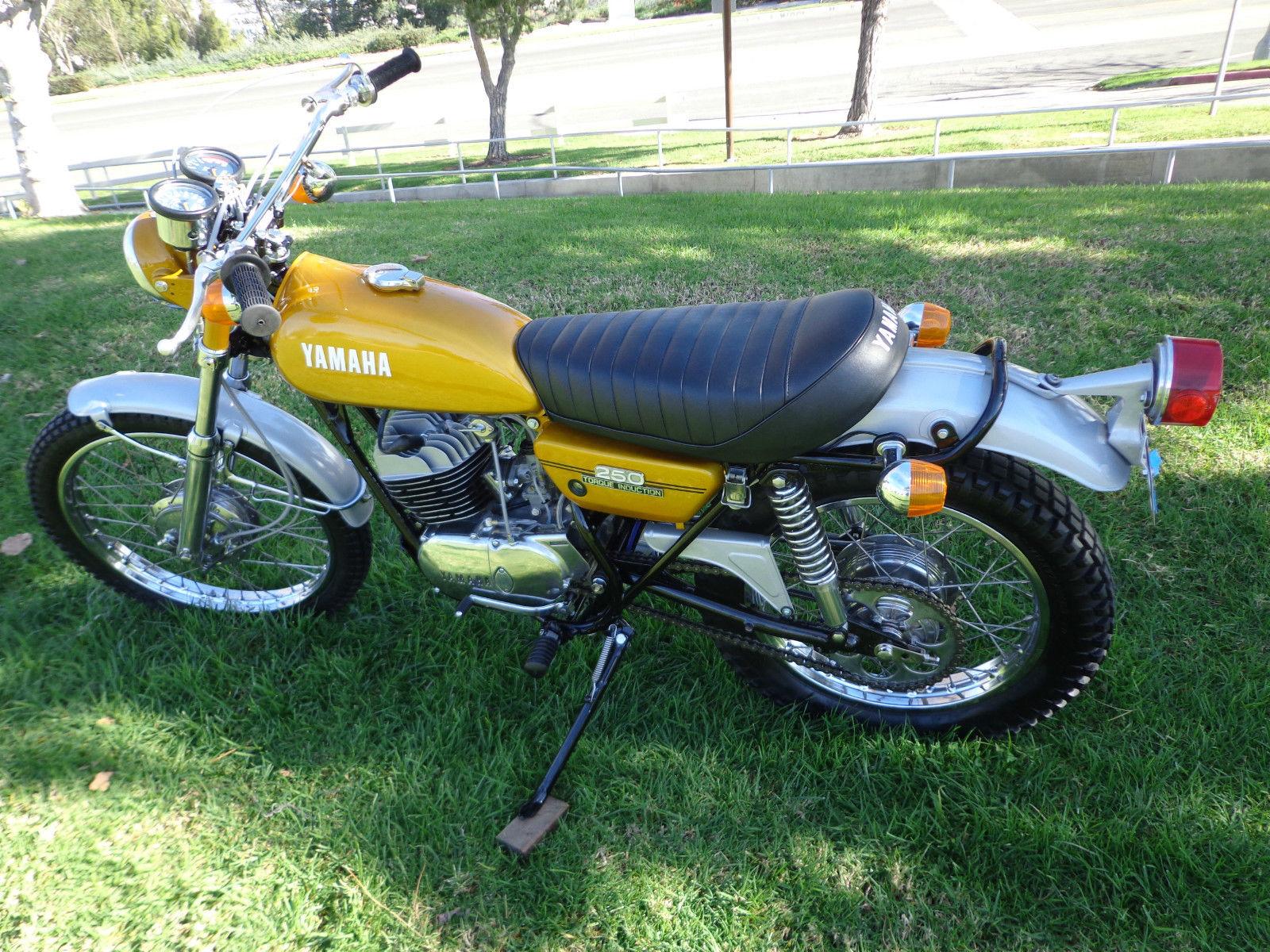 Yamaha DT250 - 1972 - Left Side, Tank, Seat and Frame.