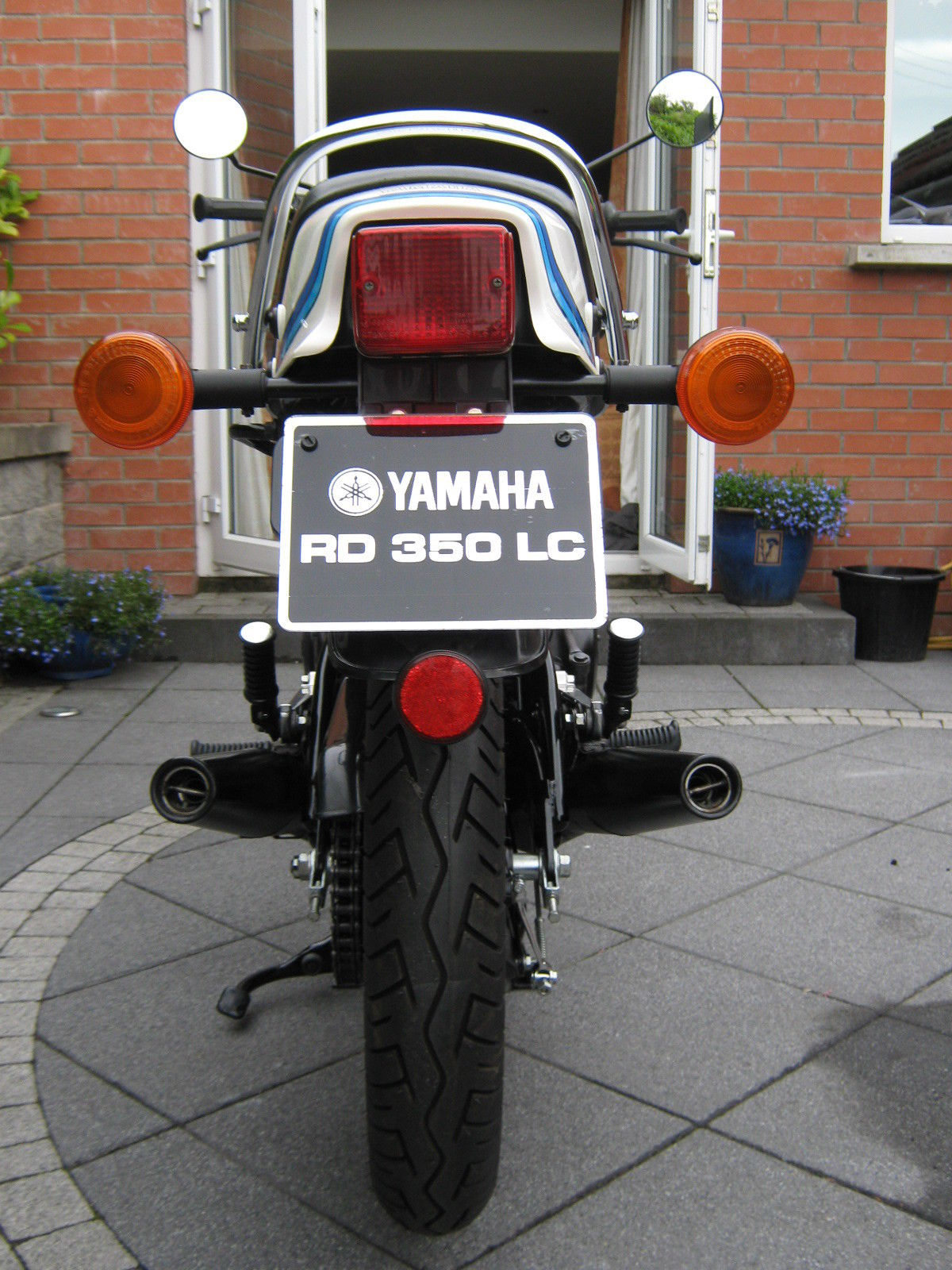 Yamaha RD350LC - 1983 - Rear wheel, Number Plate, Exhausts, Mufflers, Turn Signals and Indicators.