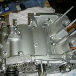 Yamaha RD250B - 1975 - Engine case and connecting rods.