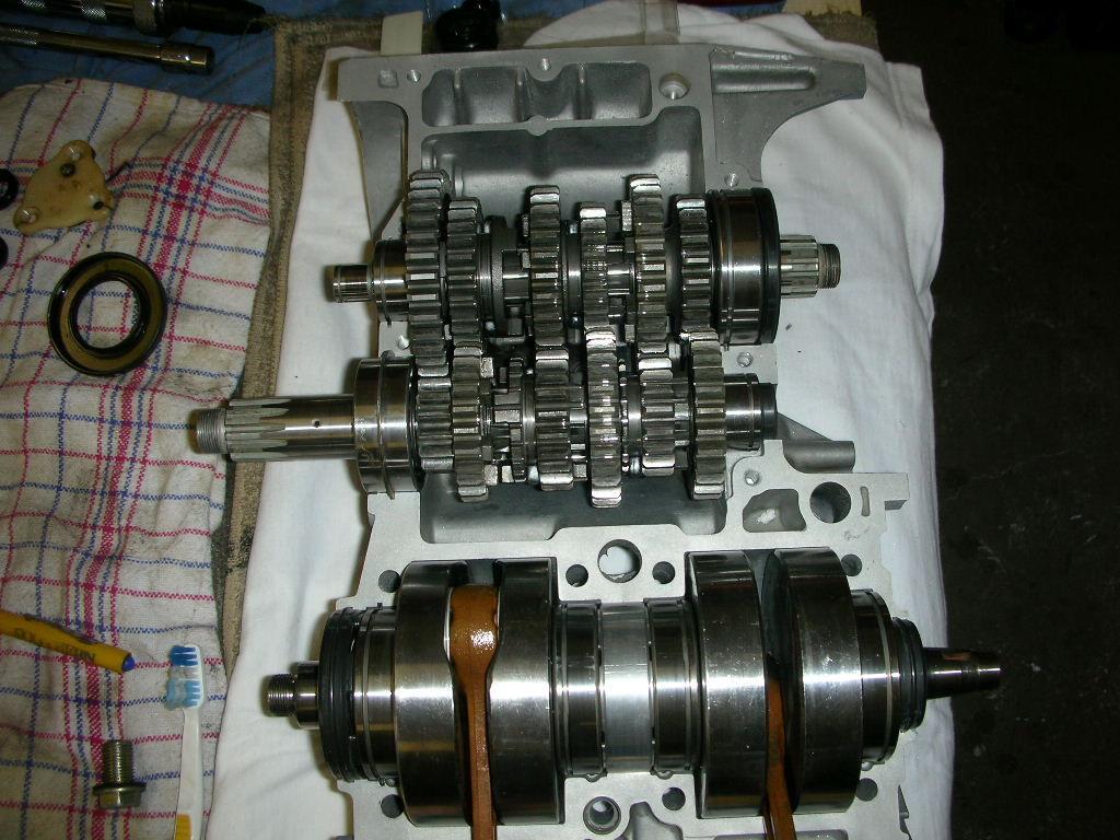 Yamaha RD250B - 1975 - Crankshaft, Gearbox and Conrods.