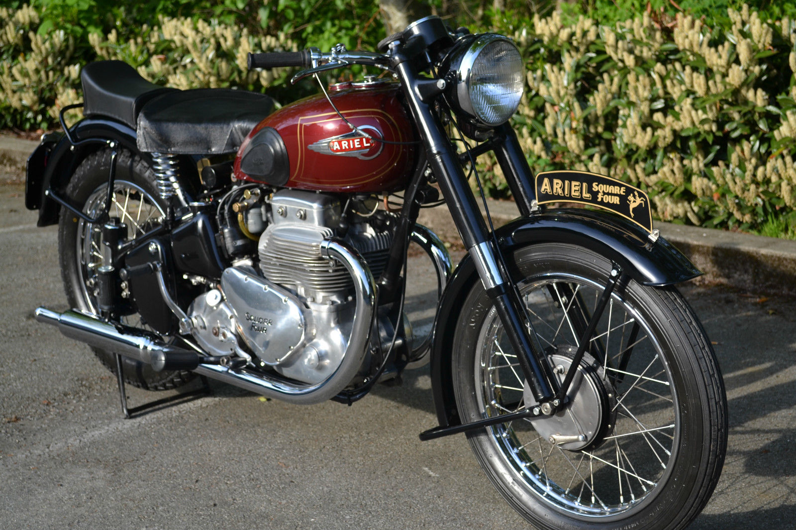 Ariel Square Four - 1952 - Cylinders, Square 4, Front Wheel Hub and Fender.