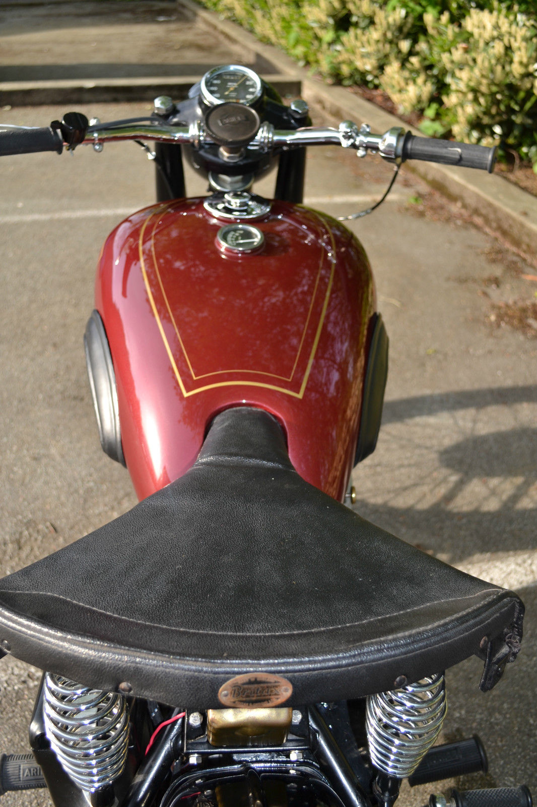Ariel Square Four - 1952 - Seat, Gas Tank and Petrol Cap.