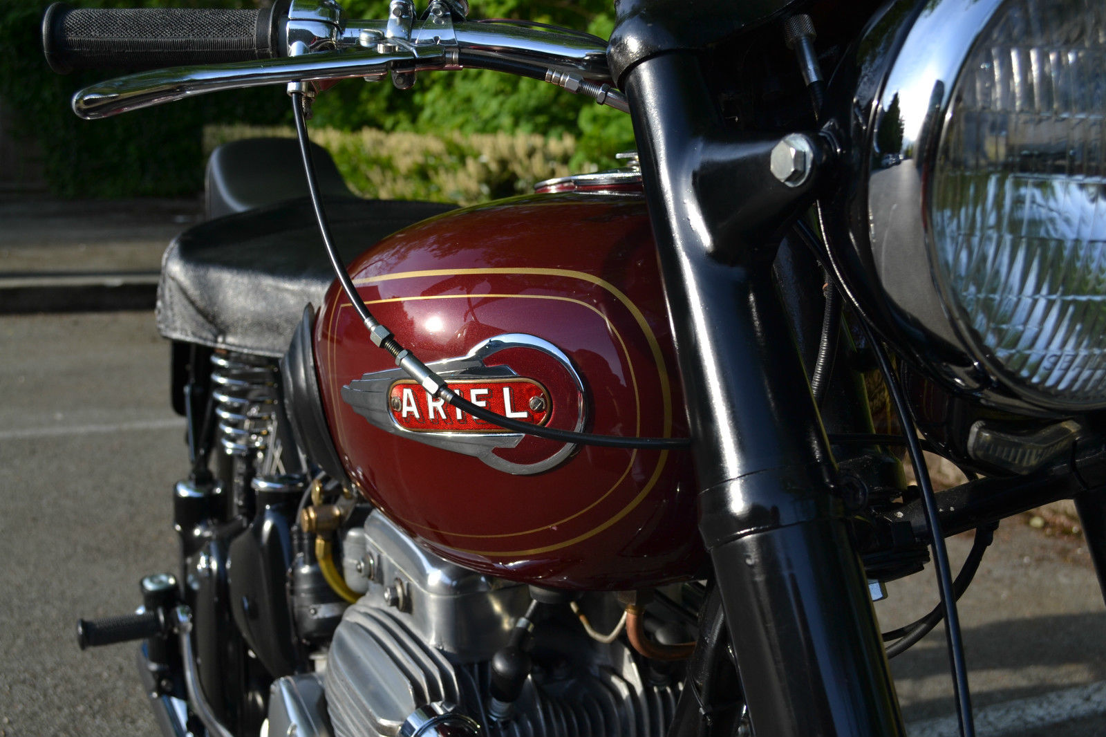 Ariel Square Four - 1952 - Throttle Cable, Ariel Badge, Forks and Lever.