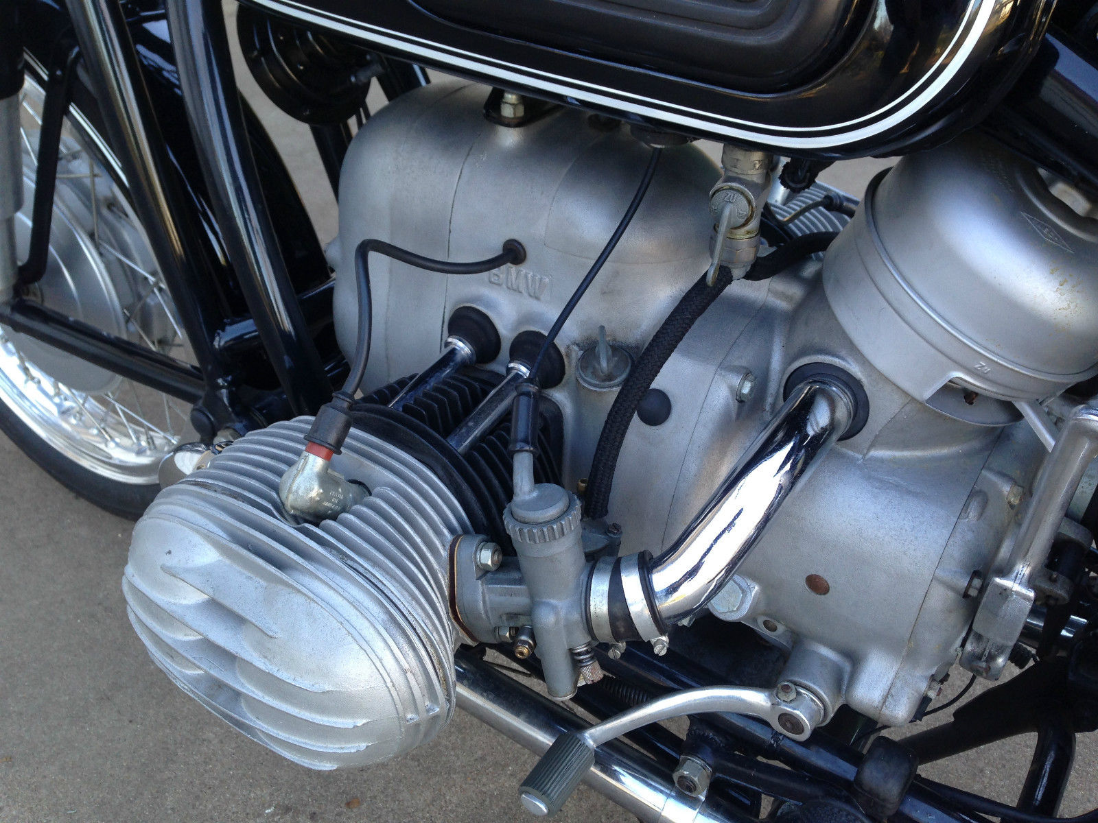 BMW R60/2 - 1967 - Bing Carburettor, Inlet Tube, Cylinder Head and Valve Cover.