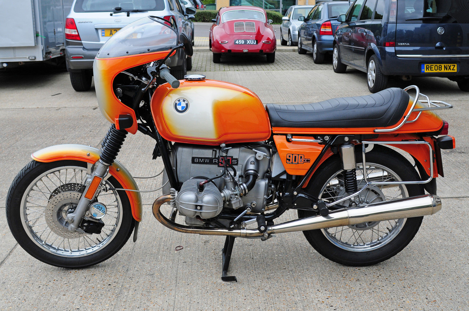 BMW R90S - 1976 - Left Side View, Mufflers, Exhaust, Engine and Gearbox.