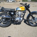 BSA B44VS - 1969 - Right Side View, Muffler, Exhaust, Wheels, Motor and Transmission.
