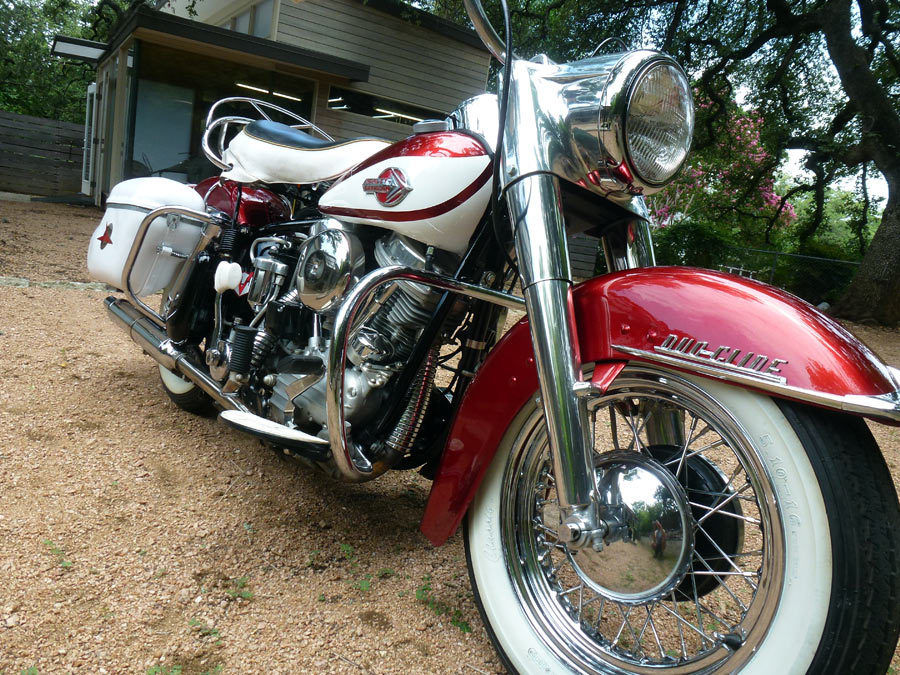 Harley-Davidson Duo Glide - 1960 - Front Wheel, Hub and Fender.