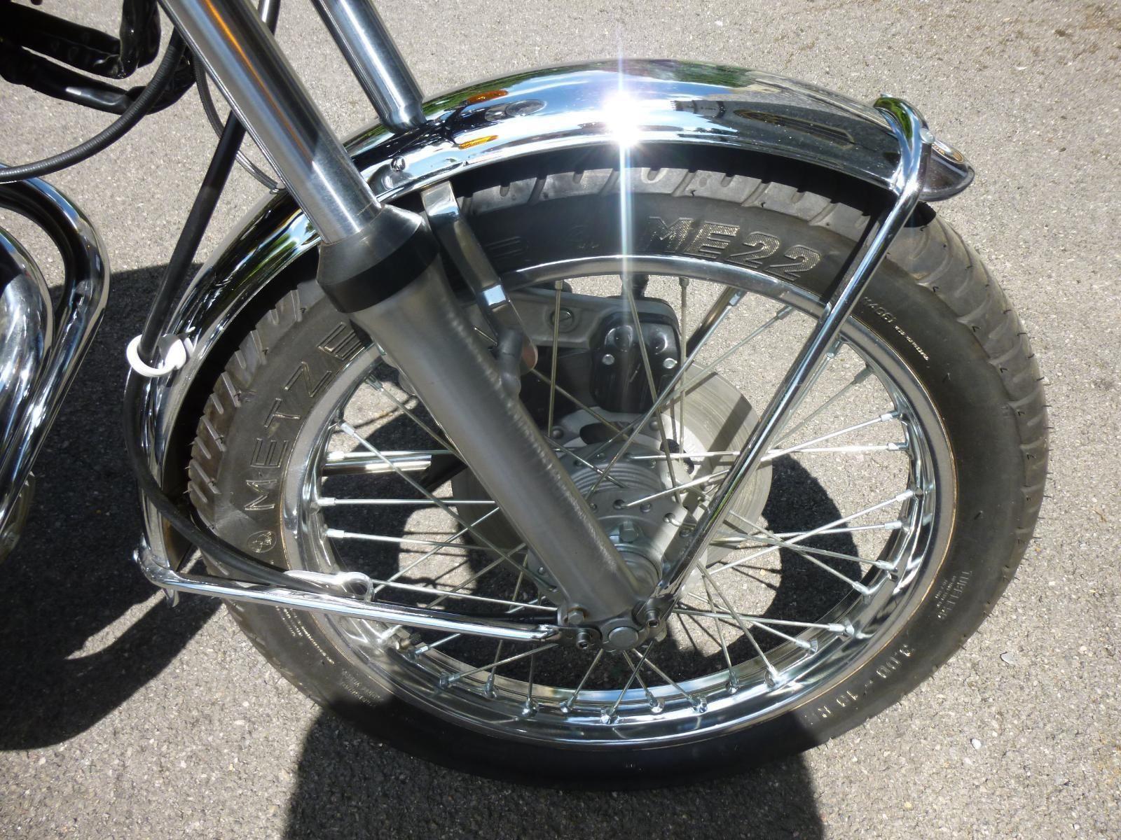 Honda CB400/4 - 1976 - Front Forks, Front Wheel, Front Mudguard, and Brake.