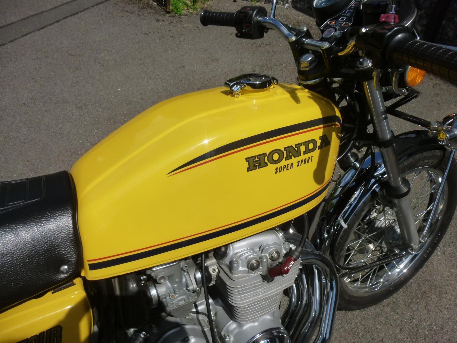 Honda CB400/4 - 1976 - Fuel Tank, Honda Decal and Fuel Cap.